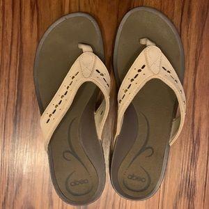 ABEO armida beige sandal size 9 neutral footbed